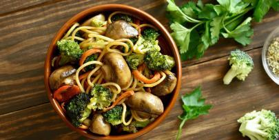vegetable and turkey stir fry over rice pasta