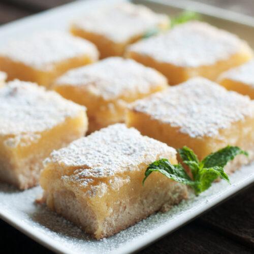This lemon bar recipe is glutenfree sugarfree and paleo